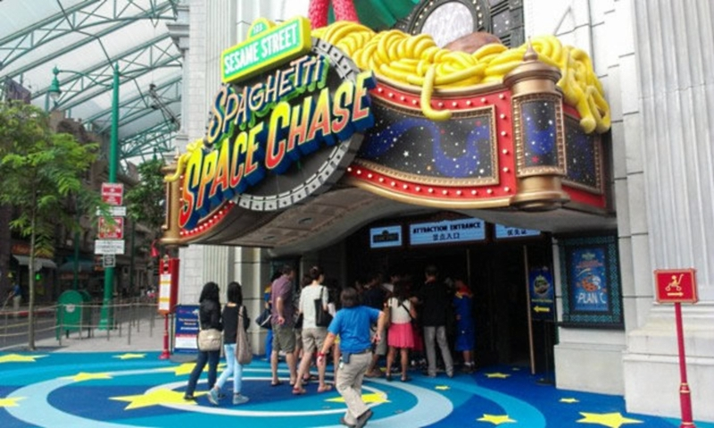 Sesame Street Ride At Universal Studios Singapore! | Hype ...Universal Studios Singapore Sesame Street Spaghetti Space Chase