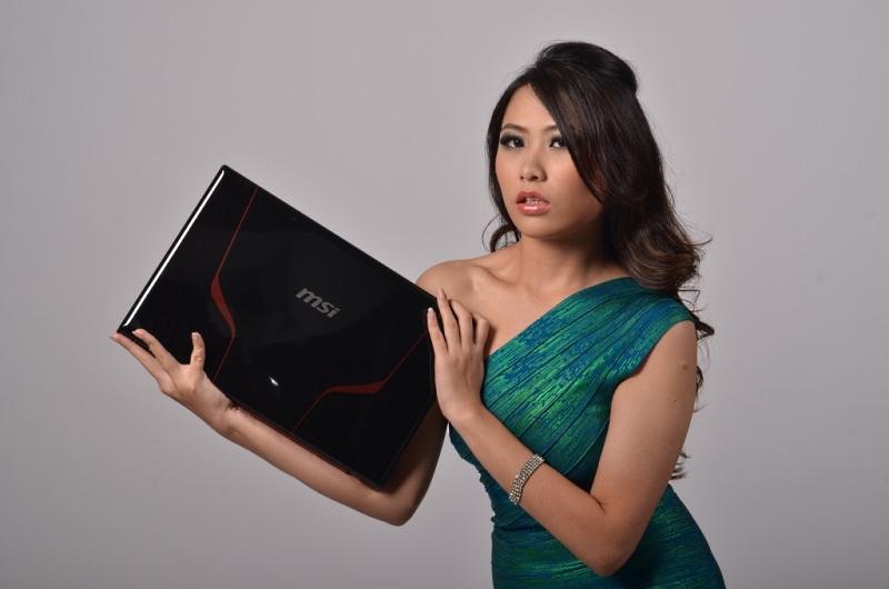 Elise, Wong Teng Teng, 24