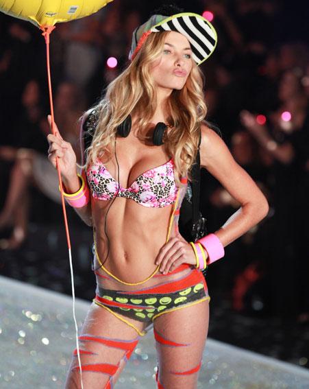 Jessica-Hart-Taylor-SwiftVictorias-Secret-angel-Victorias-Secret-fashion-show