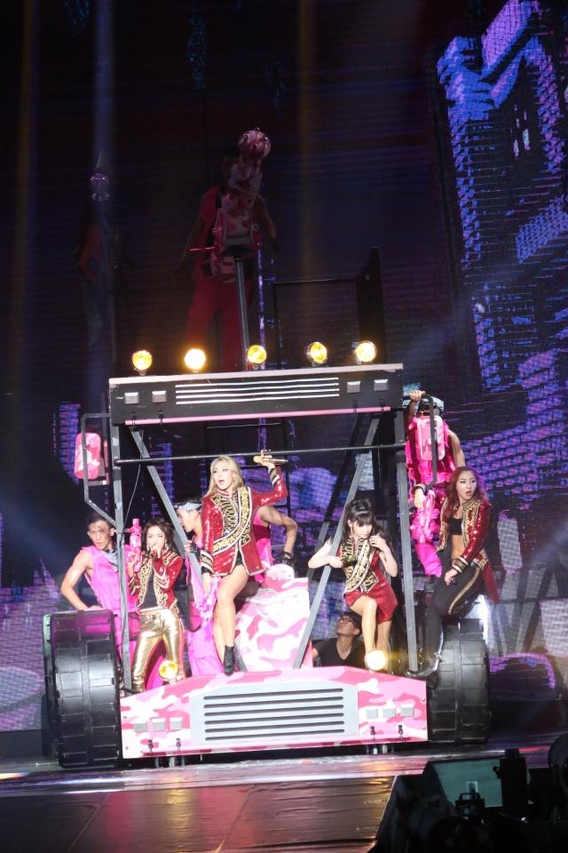 2NE1 AON Malaysia007