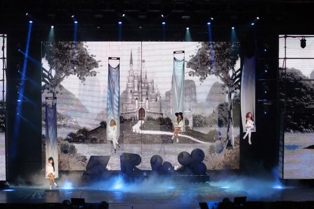 2NE1 AON Malaysia010