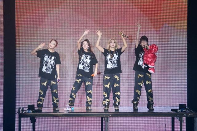 2NE1 AON Malaysia030