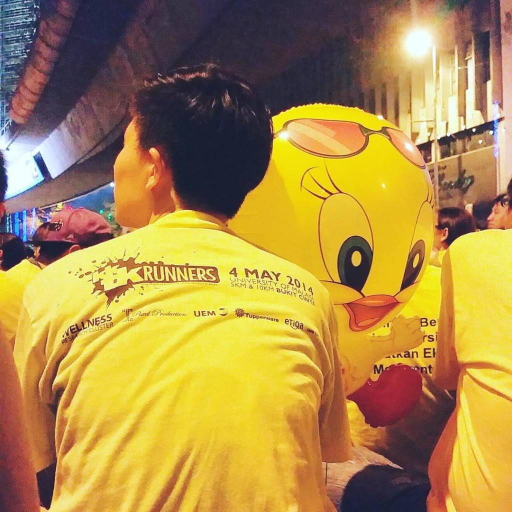 Spot the popular LooneyTunes character Too cute! TweetyBird Bersih4 BersihRally