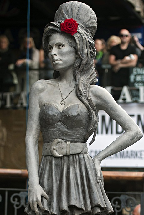 Amy Winehouse statue
