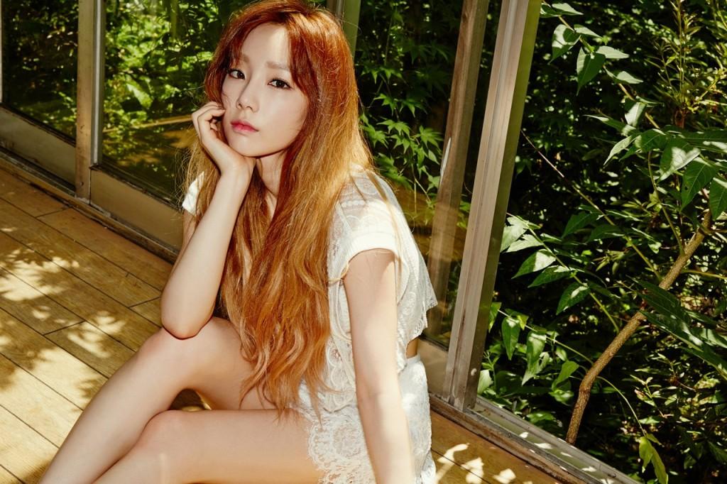 TaeTiSeo Holler Taeyeon Image