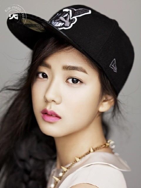 YG Kim Ji Soo