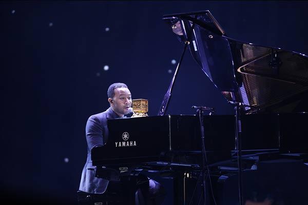 2014MAMA John Legend Performing