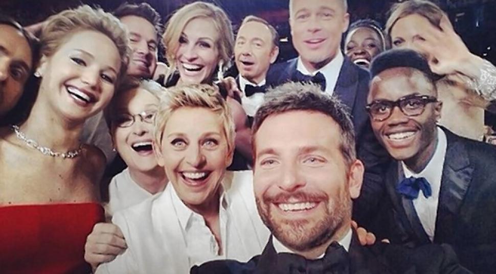 Ellen DeGeneres Epic Oscar Selfie