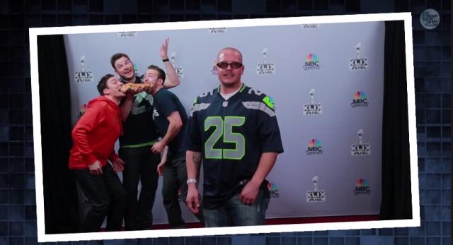 Jimmy Fallon Super Bowl Photobomb