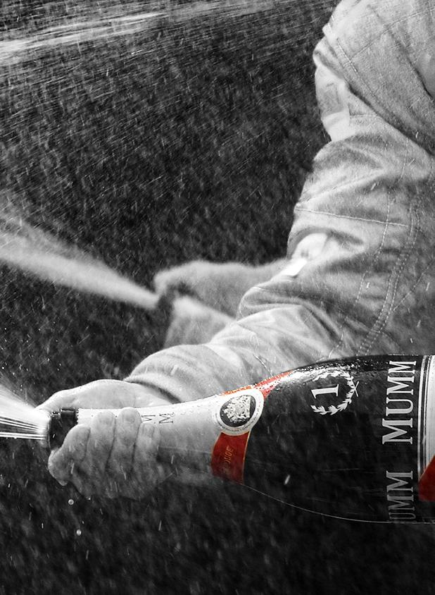 champagne mumm F1 picture