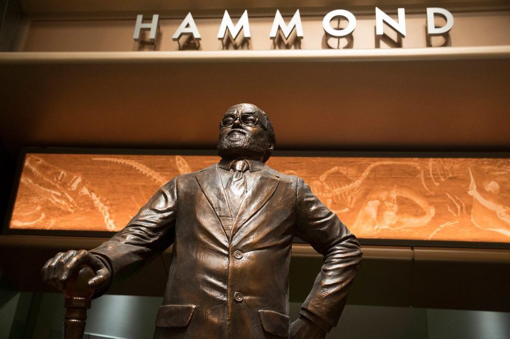 John Hammond Jurassic World Statue