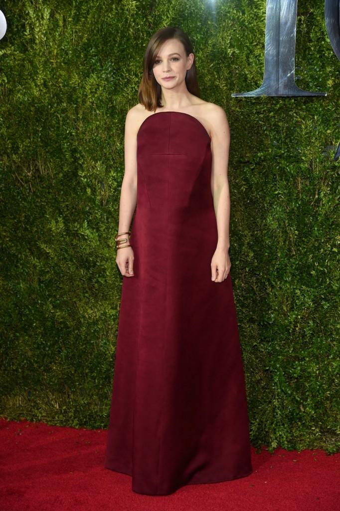 Carey Mulligans 2015 Tonys Red Carpet