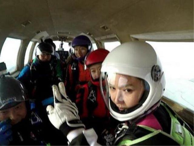 Jung In Ah Skydiving