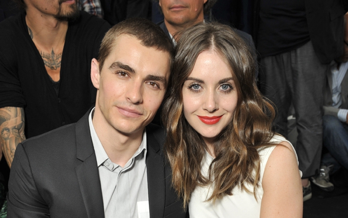 """#AlisonBrie: """"Community"""" Star Reportedly Engaged To Dave"""