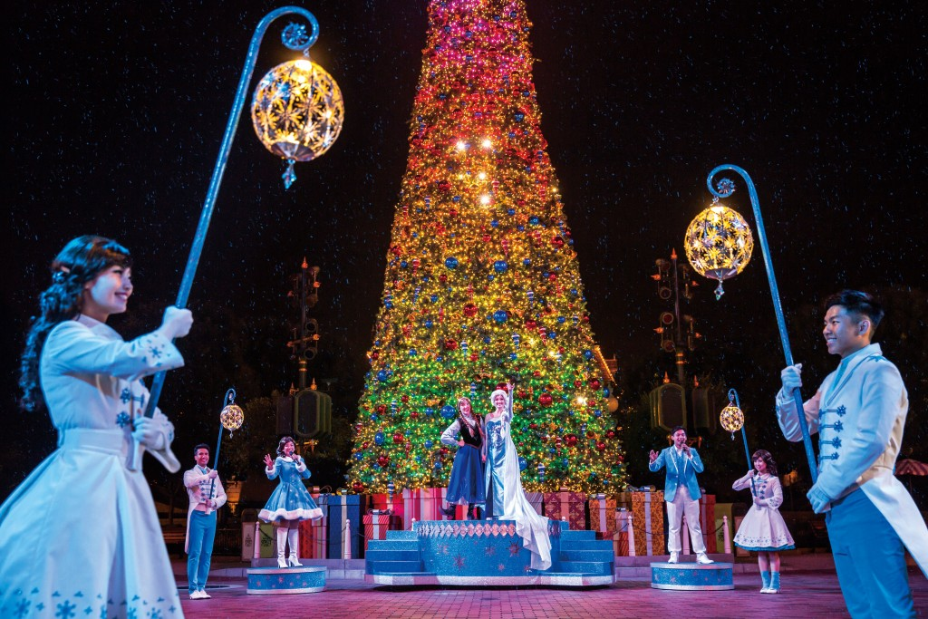 Frozen Christmas Tree Lighting Ceremony(2)