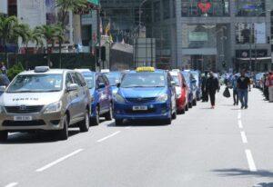 KUALA LUMPUR 29 MARCH 2016. Mogok membantah `Grab Taxi' di Jln Bukit Bintang. NSTP/YAZIT RAZALI