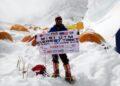 BATU PAHAT 23 MAY 2016 ( METRO JB944F / BH ) Mohd Farul Aidib Mahamad Yusoff, 22, pendaki Pasukan Misi Everest Tibet 2016 Universiti Teknologi Malaysia (UTM) berjaya sampai ke puncak gunung tertinggi di dunia melalui Tibet dan memulakan pendakian dari Camp 3 pada jam 11.45 malam. NSTP/IHSAN UTM SKUDAI