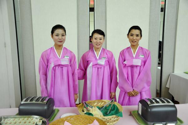 Waitresses at the Yanggakdo International Hotel, Pyongyang (Source: pbase.com/image/116358151)