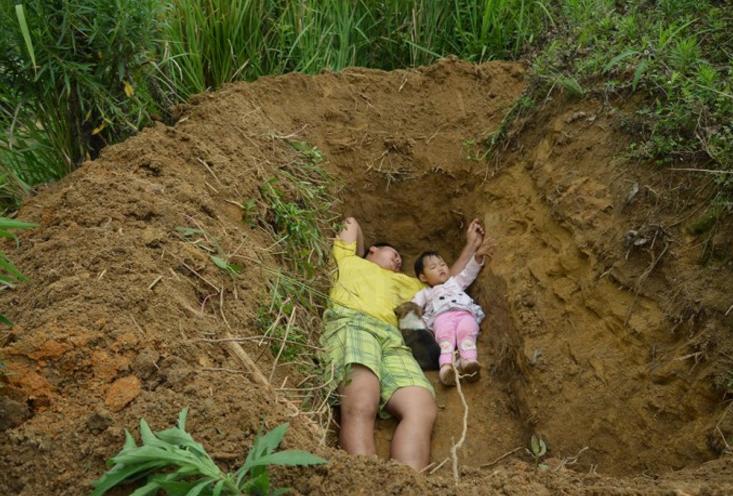 FatherDigs Grave