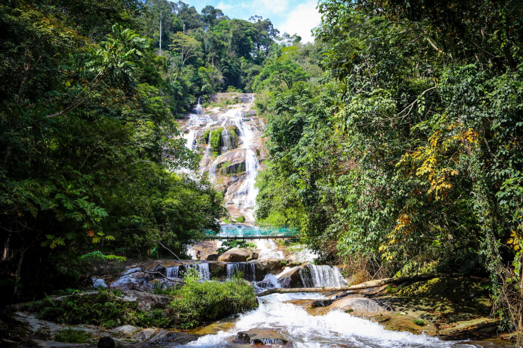 Lata Kinjang Waterfall