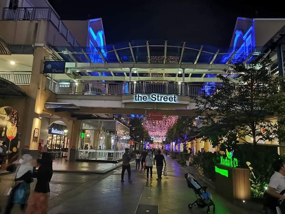 eCurve Shopping Mall